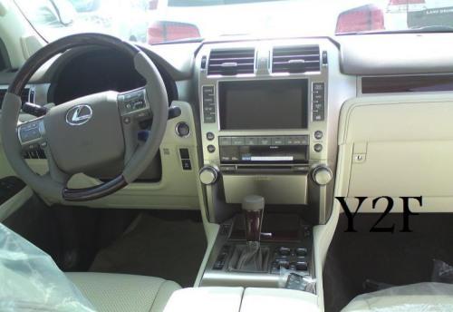09-10-18-2010-lexus-gx460-interior