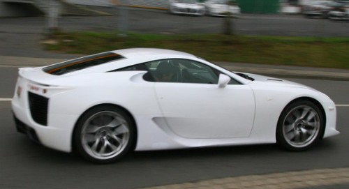 2010-Lexus-LF-A-V10-0